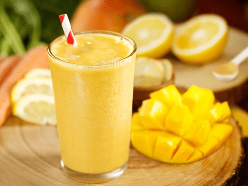 Mango and orange smoothies