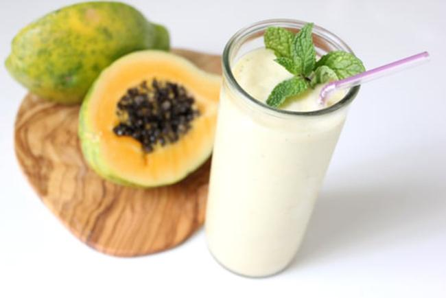 Papaya, yogurt, and mint