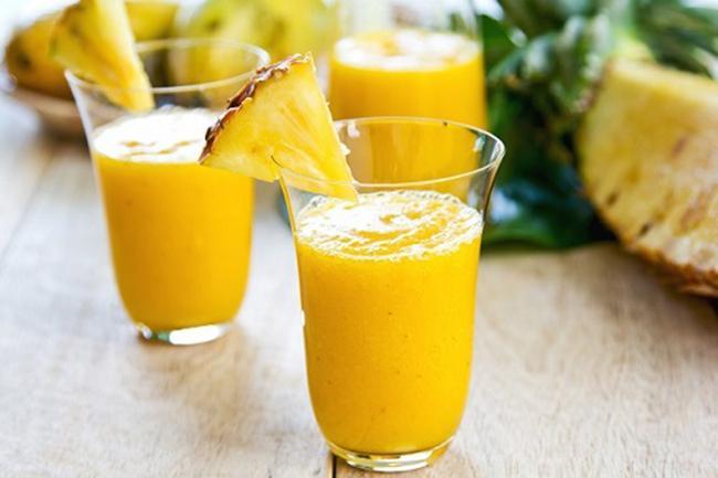 Pineapple smoothies