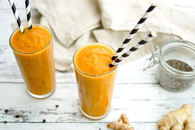 Papaya smoothie with ginger