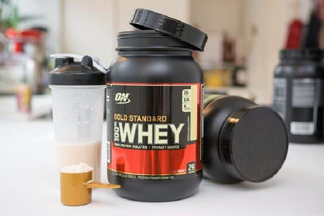 How to use whey protein powder to gain muscle? Whey protein have side effects