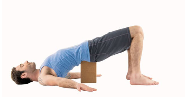 Support the bridge posture and the standing posture on the shoulder