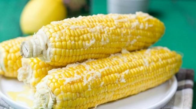 Above is the answer not to eat corn boiled with fat for you.