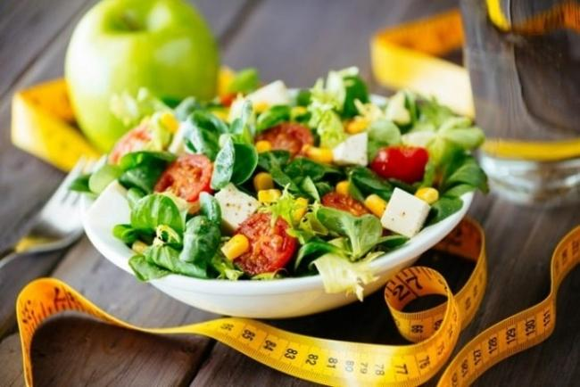 Evening snacks you can choose chicken breast salad.