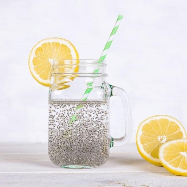 Simple drink lemonade weight divided particles.