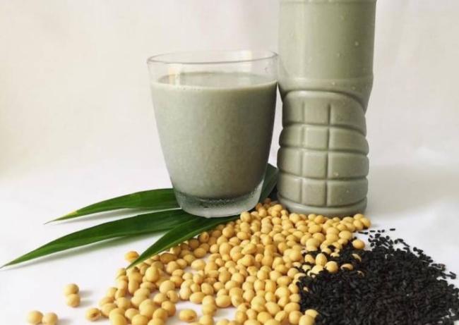 Soy milk black sesame