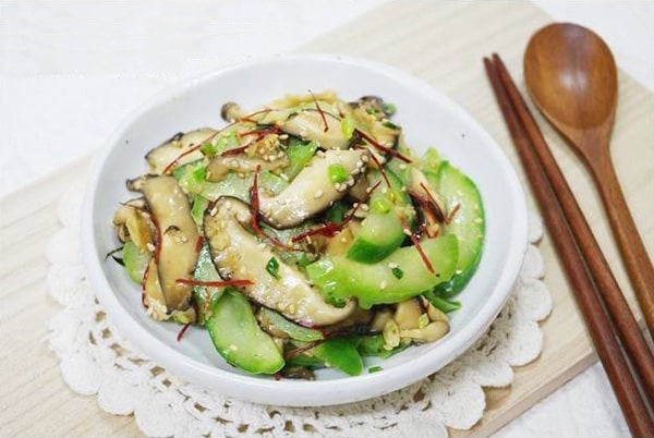 Lose weight with sauteed mushrooms cucumber