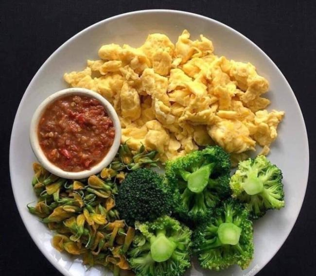 Broccoli and fried eggs.