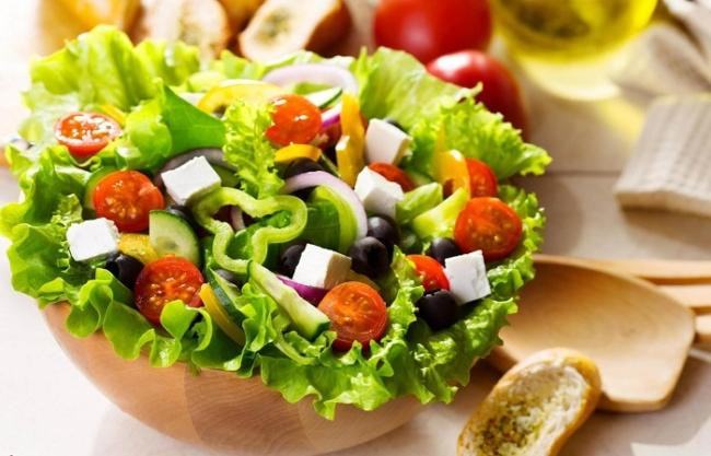 Add a salad to the diet is the fastest way to lose weight for the lazy
