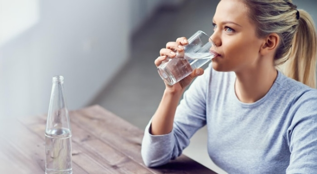 Quick weight loss for people who are lazy by drinking water before eating