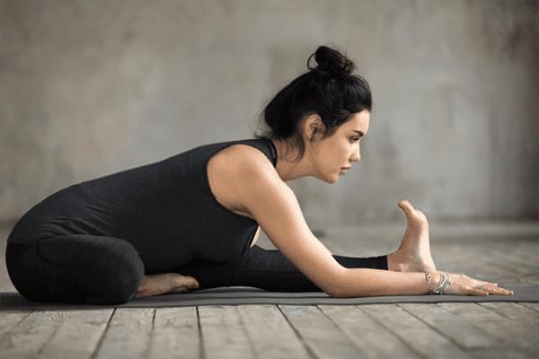 Knee-close posture