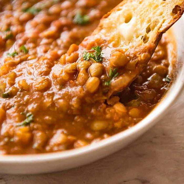 Lentil soup with flax seeds