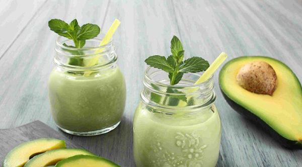 Mint butter smoothie: A nutritious breakfast