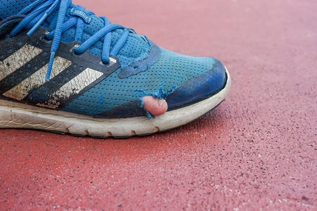 the runner has an irregular run or strengthened exercise on rough terrain, so the shoes should be changed regularly.
