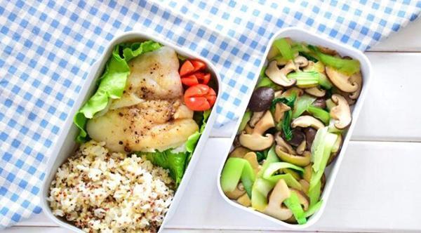 How to make bento Quinoa rice + halibut + stir-fried mushroom with cabbage